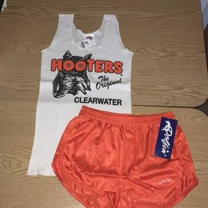 New Hooters Girl Uniform Tank & Dolfin Short Small